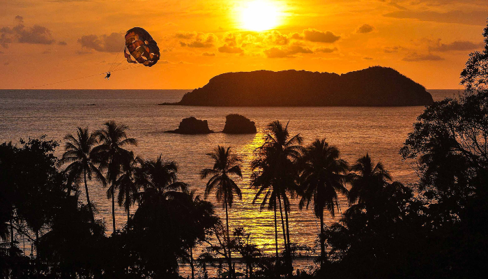 parachute costa rica